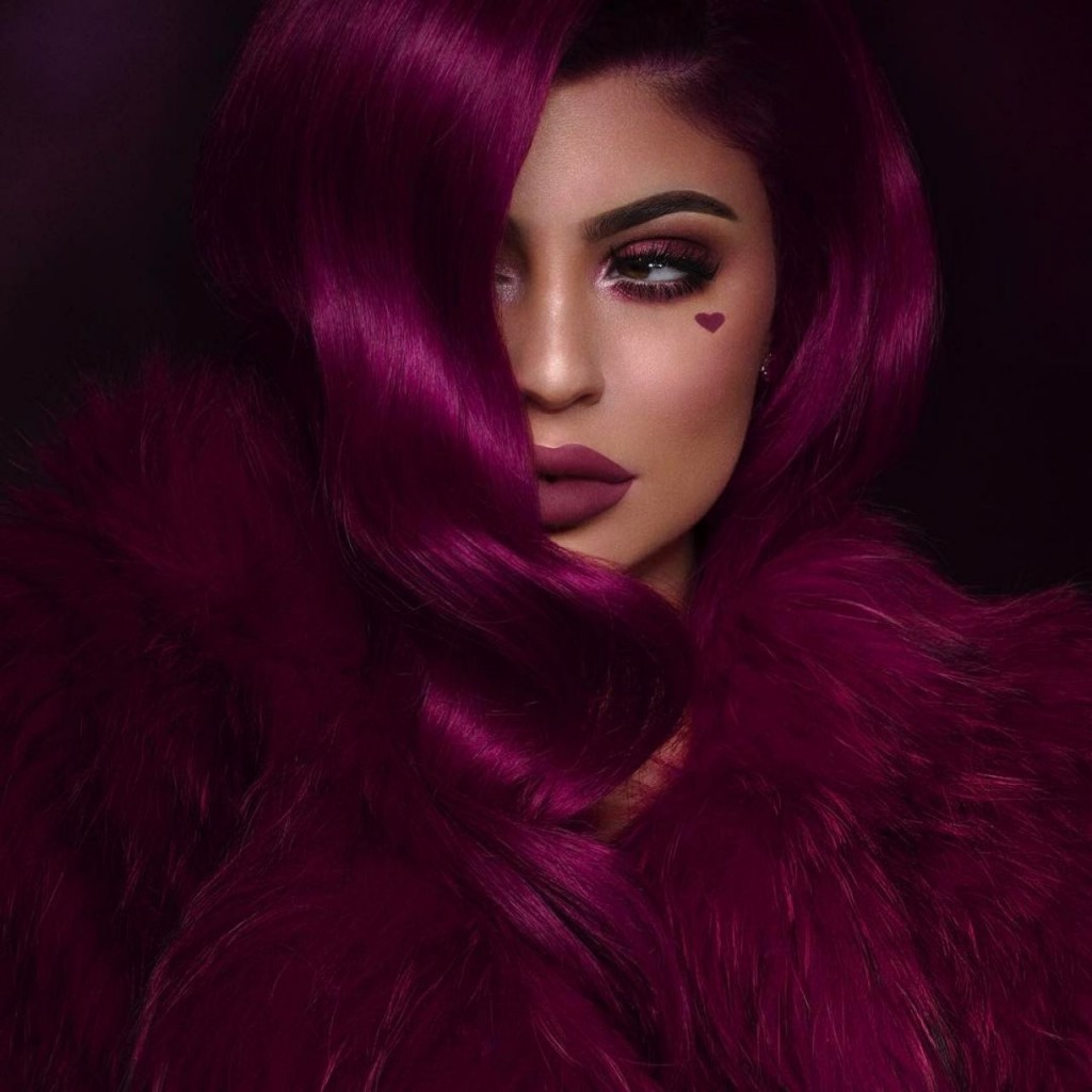 kylie-jenner-photoshoot-for-kyliecosmetics-2017-2