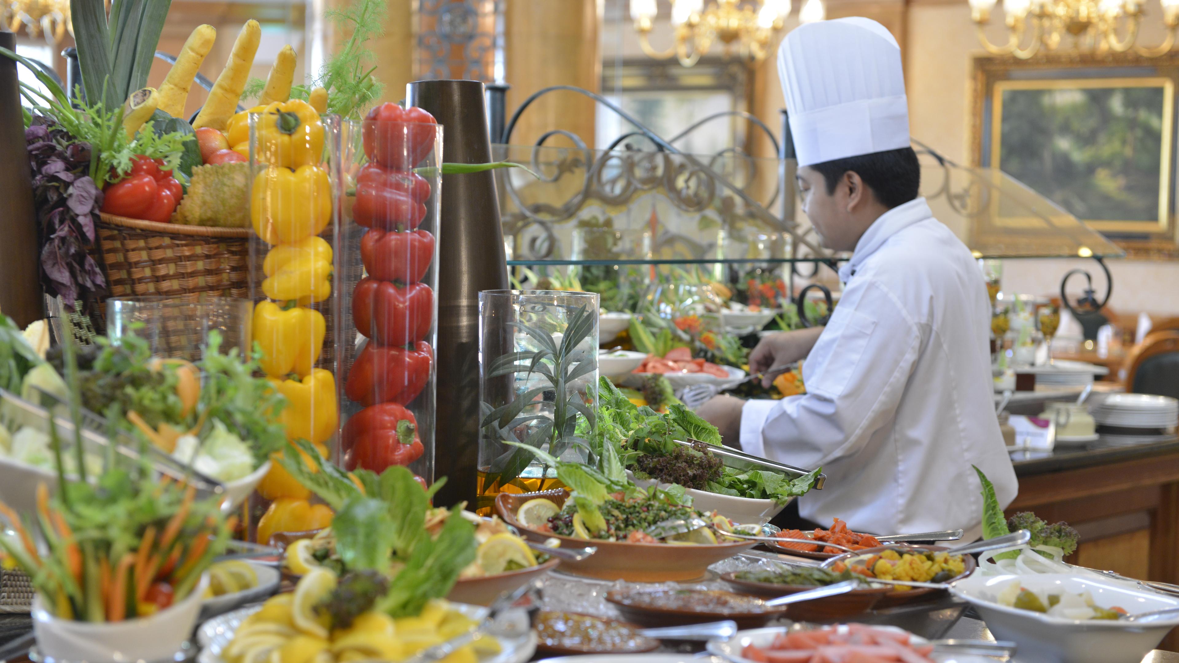 La Mosaique Restaurant at Crowne Plaza